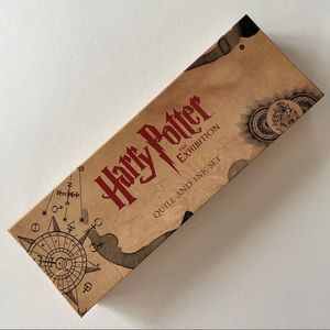 RARE Harry Potter the Exhibition Quill and Ink Set